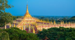 Thanbodday Pagode in Monywa, Myanmar